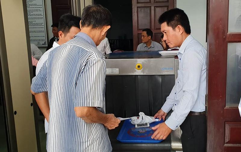 Nhiều báo không được tác nghiệp tại phiên xử LS Trần Vũ Hải - ảnh 9