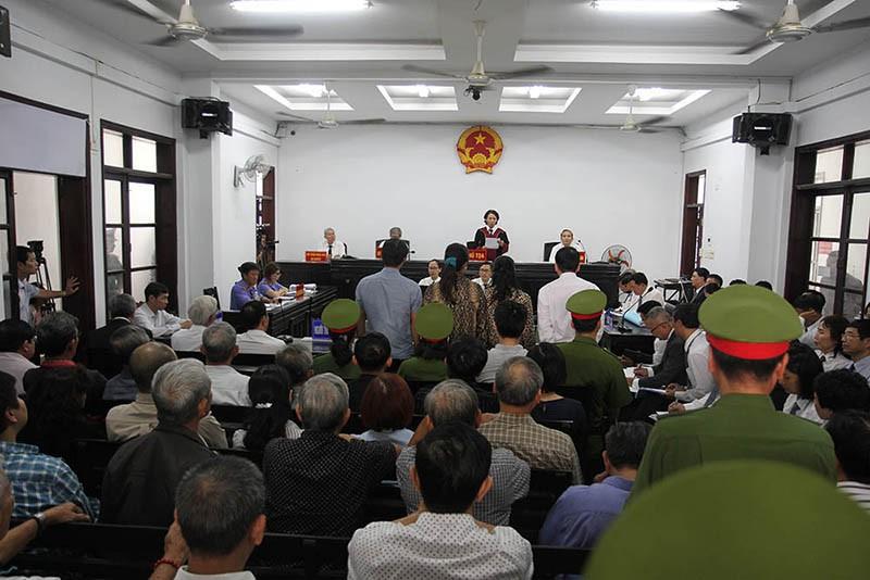 Luật sư Trần Vũ Hải bị phạt 12 tháng cải tạo không giam giữ - ảnh 1