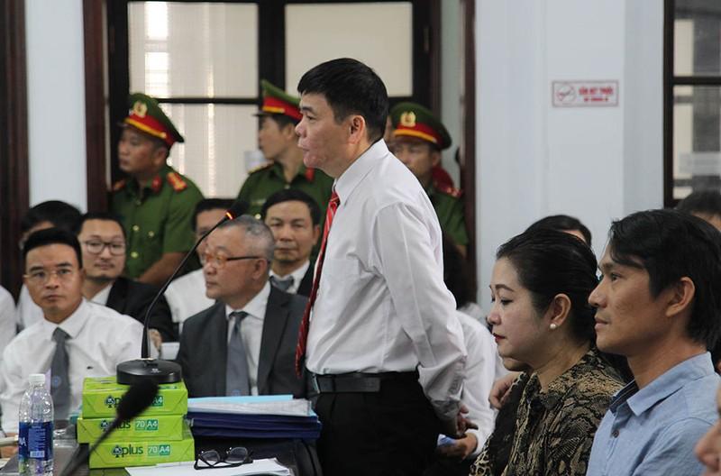 Luật sư Trần Vũ Hải bị phạt 12 tháng cải tạo không giam giữ - ảnh 2