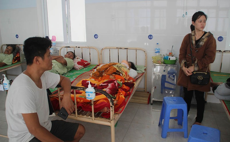 Thủ tướng chia buồn với gia đình các nạn nhân ở Phú Yên - ảnh 6