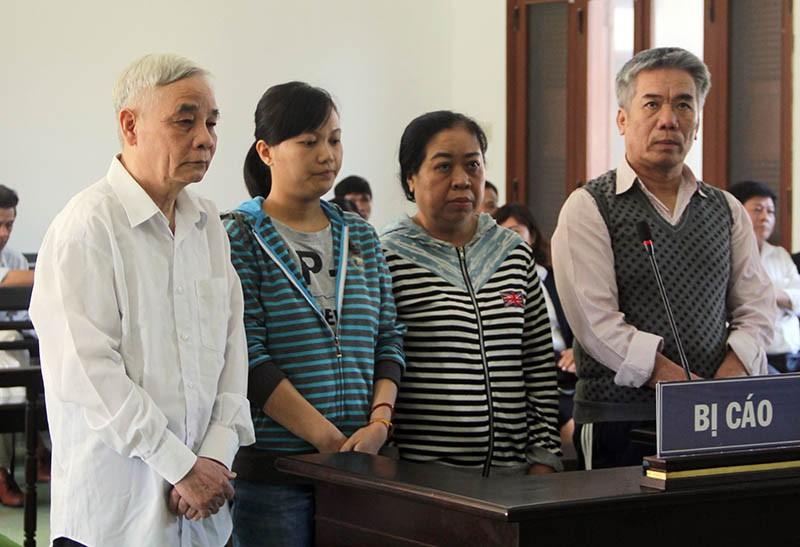 Xét xử cựu chánh án tỉnh Phú Yên bị cáo buộc tham ô - ảnh 1