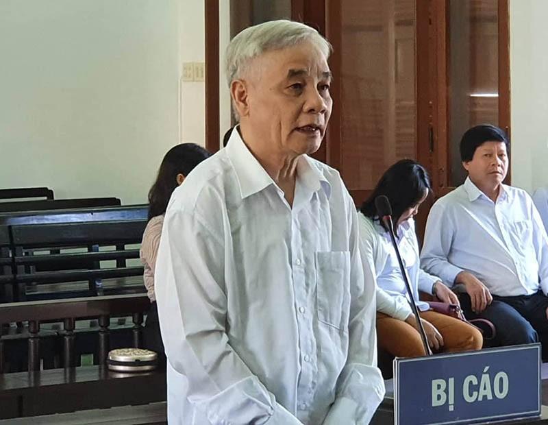 Cựu chánh án Phú Yên phủ nhận cáo buộc tham ô - ảnh 1