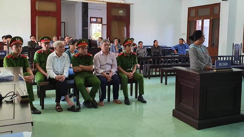 Cựu chánh án Phú Yên phủ nhận cáo buộc tham ô - ảnh 4