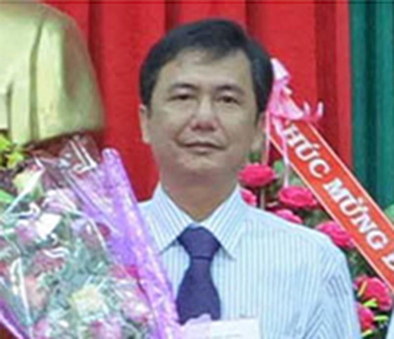 Cách chức một phó chủ tịch huyện có sai phạm về đất đai - ảnh 1