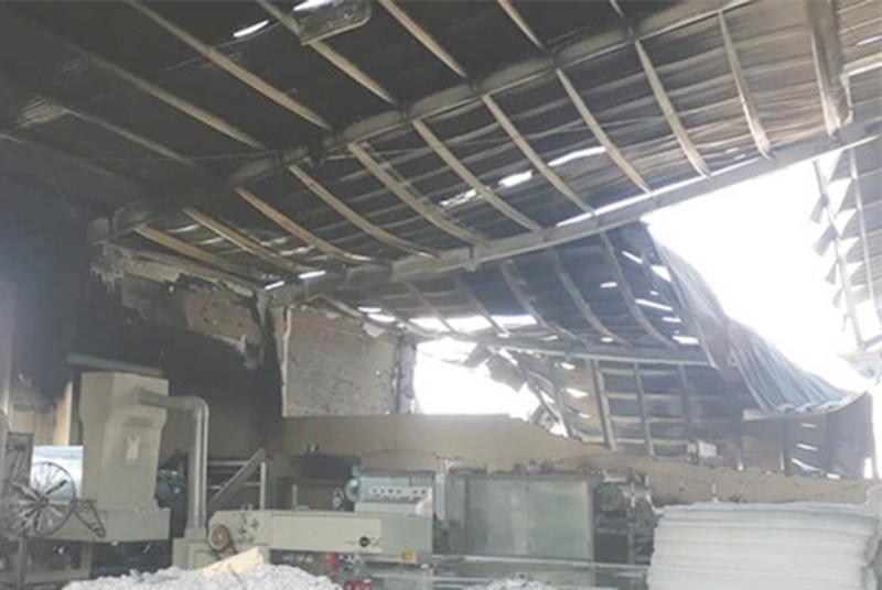 Cháy dữ dội nhà máy nệm mút trong khu công nghiệp - ảnh 2