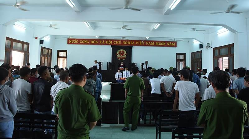 Xử vụ đánh bạc có tới 63 bị cáo ở Phú Yên - ảnh 2