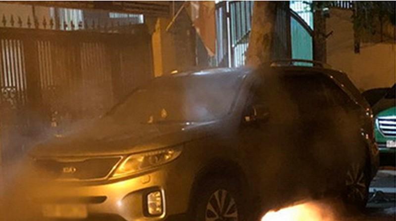 6 ô tô bị tưới xăng đốt cháy trong đêm - ảnh 2