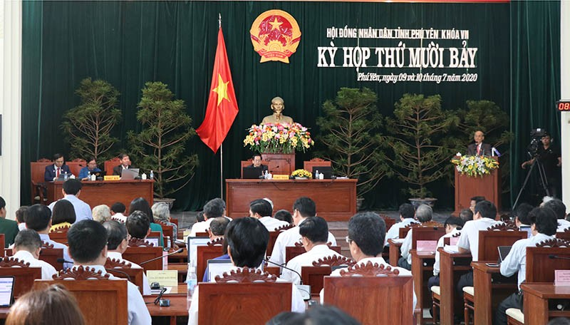Ông Huỳnh Tấn Việt xin thôi chức chủ tịch HĐND tỉnh - ảnh 1