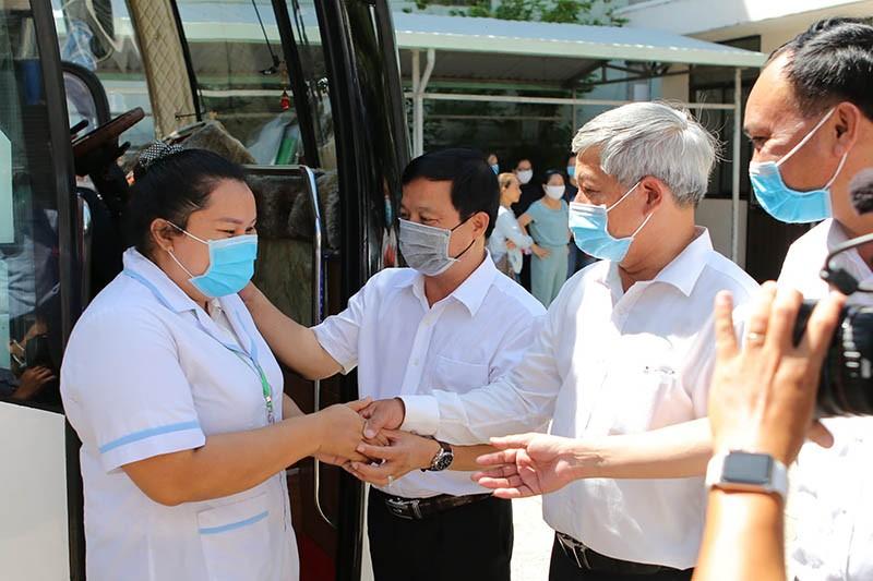 25 nhân viên y tế tình nguyện hỗ trợ Đà Nẵng chống dịch - ảnh 2