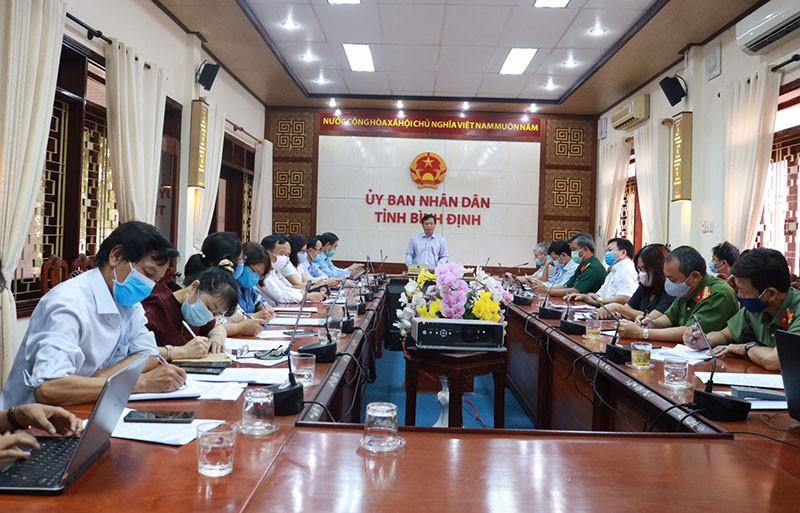 Bình Định bắt đầu xử phạt không đeo khẩu trang nơi công cộng - ảnh 2
