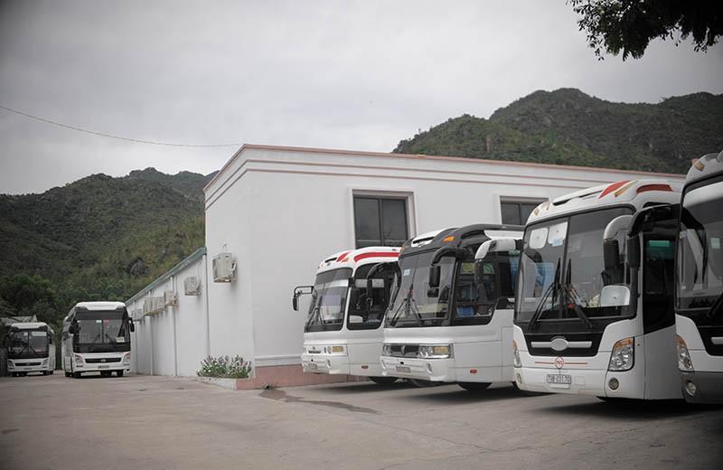 Cưỡng chế phá dỡ 7 cơ sở chuyên phục vụ khách Trung Quốc - ảnh 2