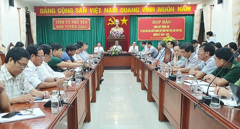 Đại hội Đảng bộ tỉnh Phú Yên không tặng quà các đại biểu  - ảnh 1