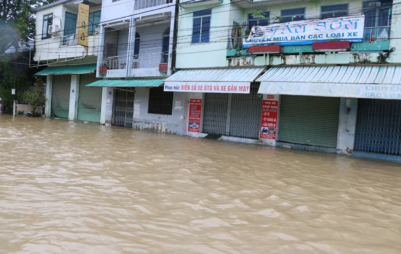 Nhiều vùng ở Khánh Hòa bị ngập nặng - ảnh 3