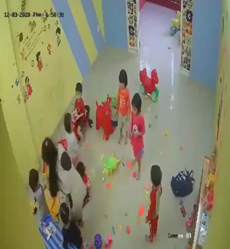 Thu hồi giấy phép cơ sở mầm non đánh trẻ ở Nha Trang - ảnh 2