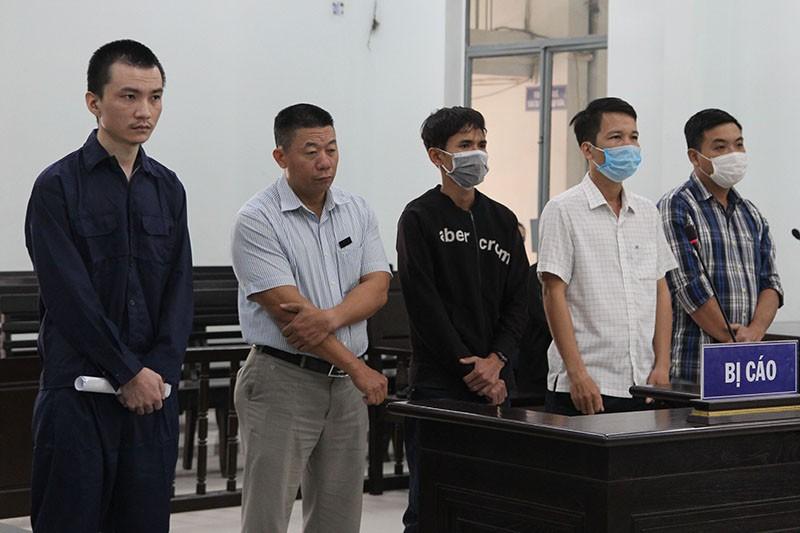 3 cựu công an giúp người Trung Quốc làm hộ khẩu, CMND Việt Nam - ảnh 1