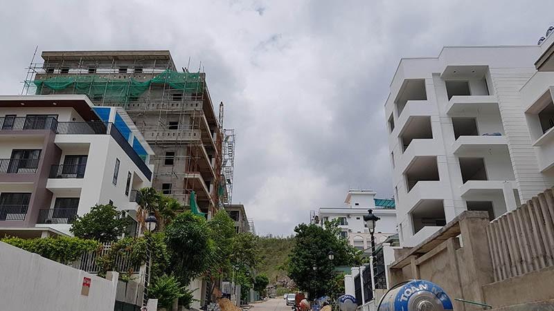 Chưa có kinh phí để tháo dỡ 15 biệt thự trái phép ở Nha Trang - ảnh 2