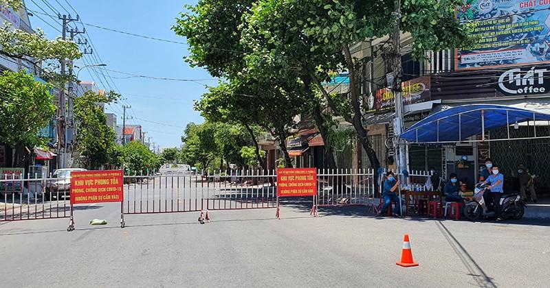 Thực hiện giãn cách toàn TP Tuy Hòa từ 15 giờ ngày 24-6 - ảnh 4