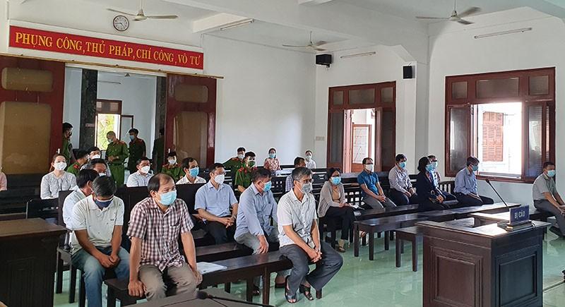 Hoãn xử vụ lộ đề thi công chức ở Phú Yên  - ảnh 2