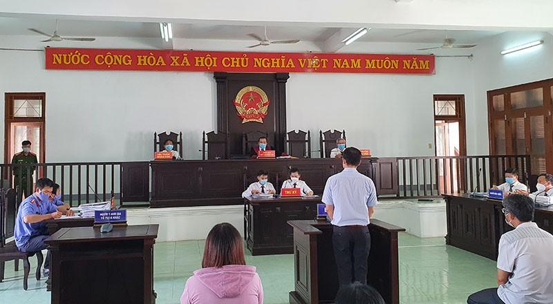 Hoãn xử vụ lộ đề thi công chức ở Phú Yên  - ảnh 1