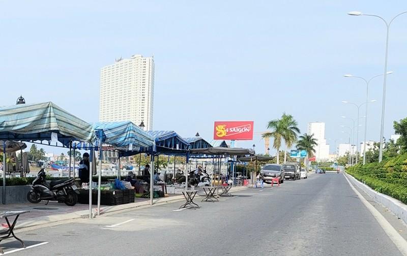 Người dân Khánh Hòa được đi tập thể dục, đi chợ, cắt tóc… - ảnh 1