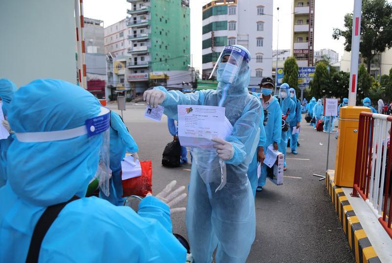 Danh sách 800 người Phú Yên tại Bình Dương về quê đợt 4 - ảnh 1