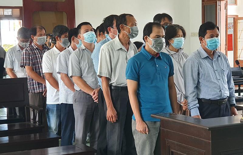 18 quan chức, cán bộ vụ lộ đề thi công chức ở Phú Yên hầu tòa  - ảnh 2