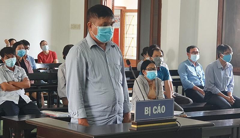 18 quan chức, cán bộ vụ lộ đề thi công chức ở Phú Yên hầu tòa  - ảnh 3