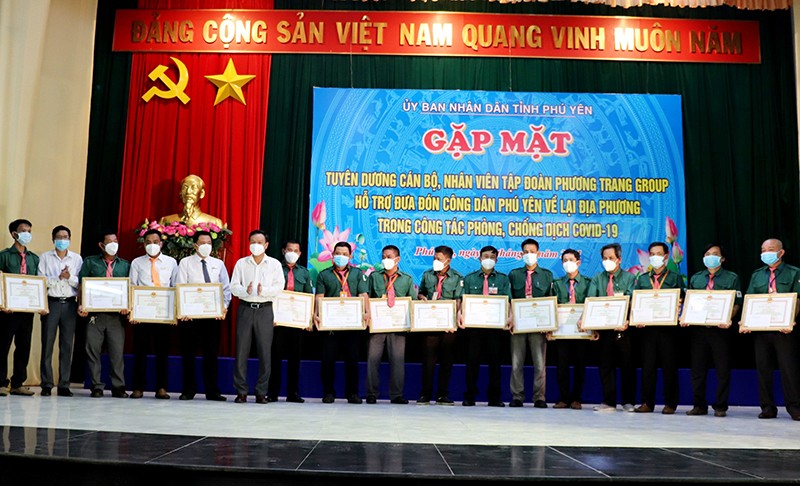 Phú Yên đưa gần 17.000 người về quê trên 730 chuyến xe nghĩa tình - ảnh 1