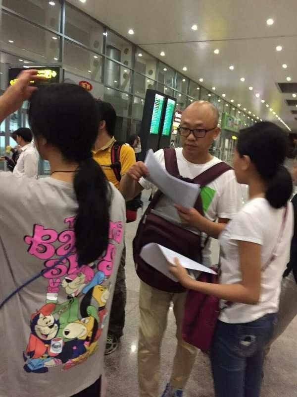 Hướng dẫn viên Trung Quốc 'lộng hành': Khó xử lý vì người Việt tiếp tay - ảnh 1