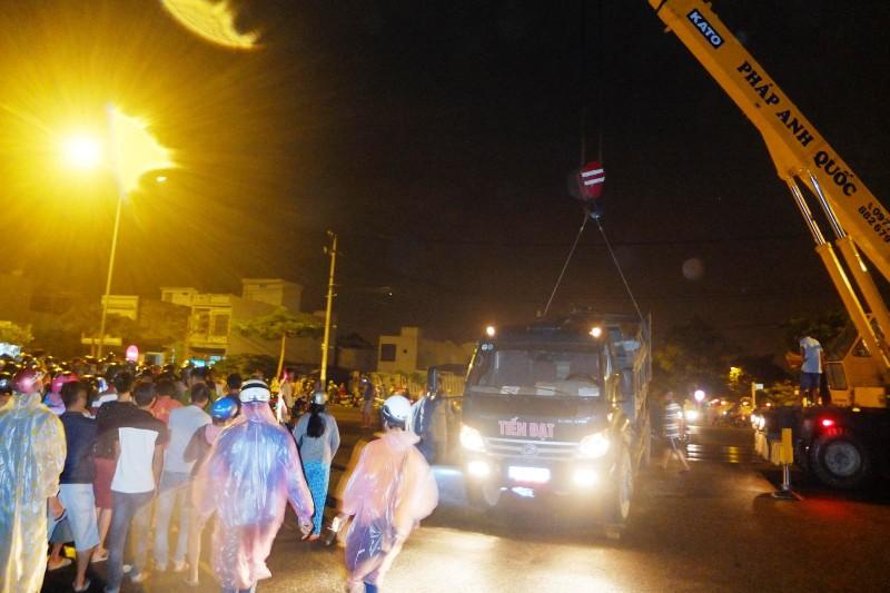 Hiện trường vụ tai nạn giao thông trong đêm