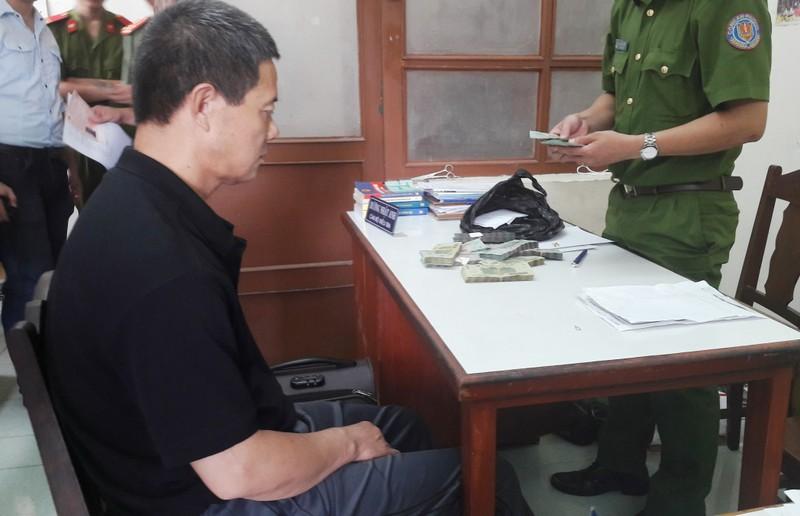 Hành khách Trung Quốc trộm hơn 400 triệu trên máy bay - ảnh 2
