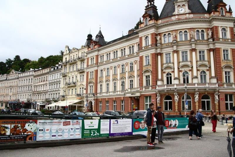 Choáng ngợp với kinh đô điện ảnh Karlovy Vary - ảnh 3