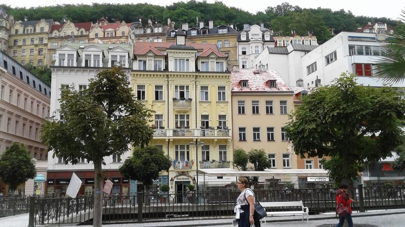 Choáng ngợp với kinh đô điện ảnh Karlovy Vary - ảnh 4