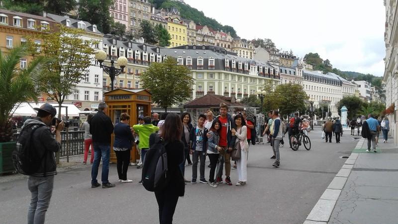 Choáng ngợp với kinh đô điện ảnh Karlovy Vary - ảnh 2