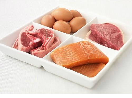 Ăn nhiều thịt cũng hại sức khỏe như hút thuốc - ảnh 1