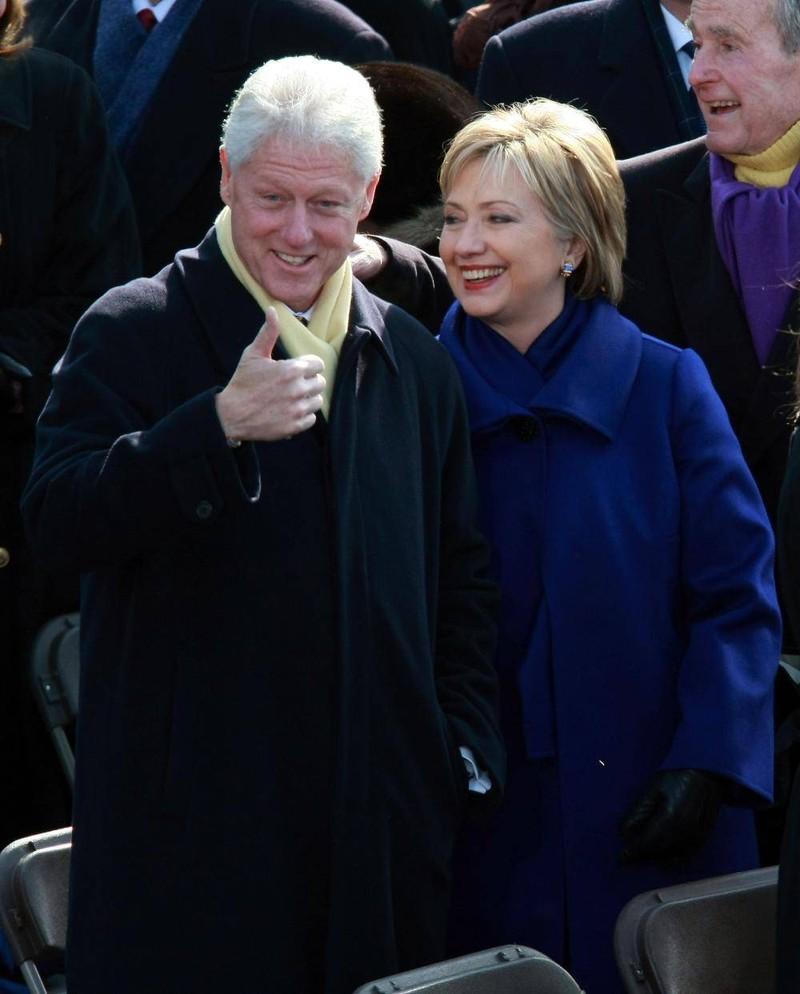 """Những người """"cầm đèn chạy trước"""" cho cuộc tranh cử của bà Hillary Clinton - ảnh 1"""