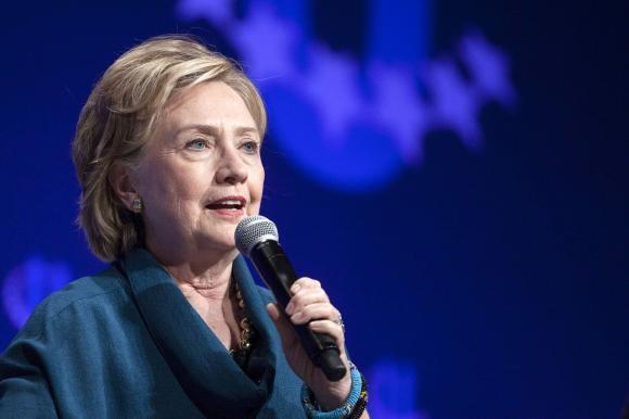 """Những người """"cầm đèn chạy trước"""" cho cuộc tranh cử của bà Hillary Clinton - ảnh 2"""