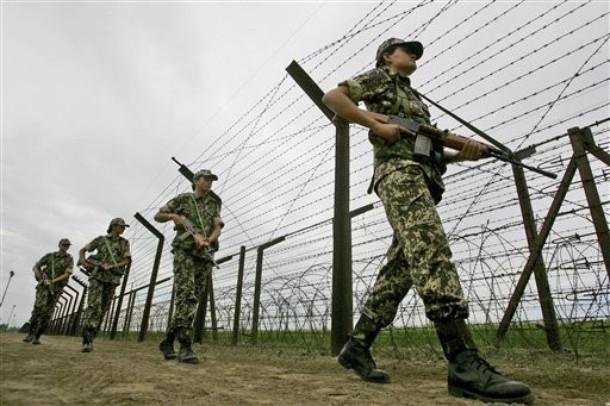 Quân đội Ấn Độ tăng cường phòng thủ dọc biên giới với Trung Quốc - ảnh 2