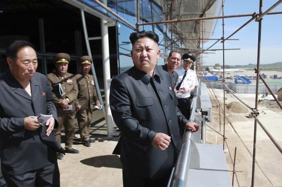 Kim Jong Un đích thân giám sát thử tên lửa gần biên giới Hàn Quốc - ảnh 1