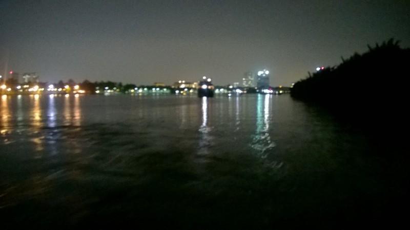 Xà lan gặp nạn trên sông Sài Gòn, một người mất tích - ảnh 1
