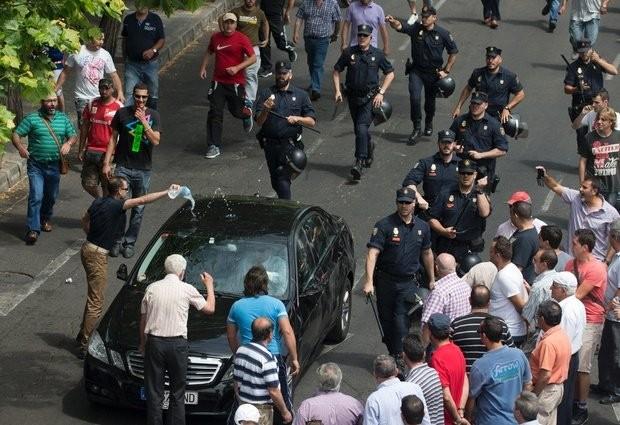 Tòa Pháp phán quyết Uber taxi có thể phạm luật - ảnh 2