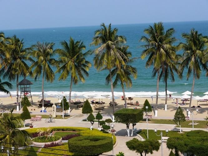 27 Tết - phố biển Nha Trang nắng ngập tràn - ảnh 6