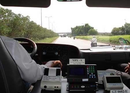 Điện thoại giúp người tham gia giao thông tránh được tắc đường - ảnh 2