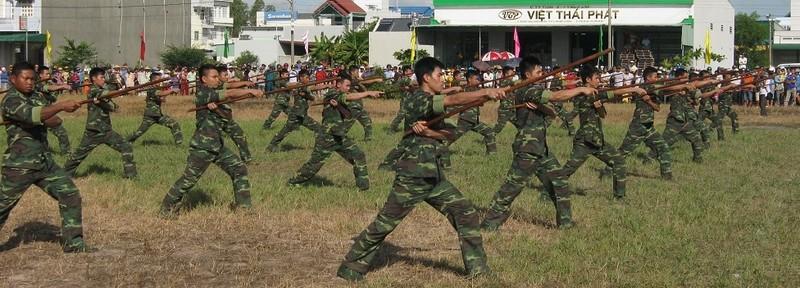 Chùm ảnh biểu diễn võ thuật đầy uy dũng của Bộ đội biên phòng - ảnh 1
