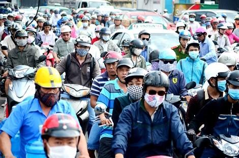 Tháng 7 bắt đầu thu phí xe máy, mô tô - ảnh 1