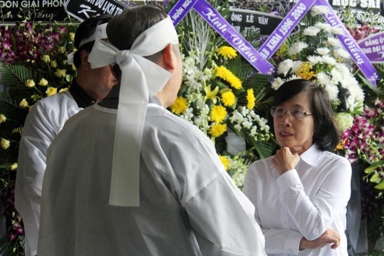 Lời chia sẻ xúc động của chủ tịch TP.HCM viếng PGS-NGND Trần Thanh Đạm - ảnh 4