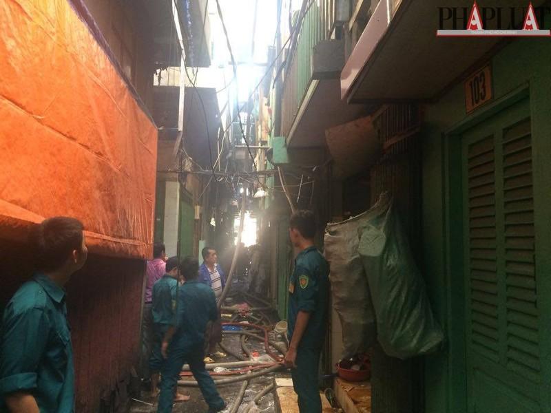 Cháy dữ dội hàng loạt căn nhà giữa trung tâm Sài Gòn - ảnh 5