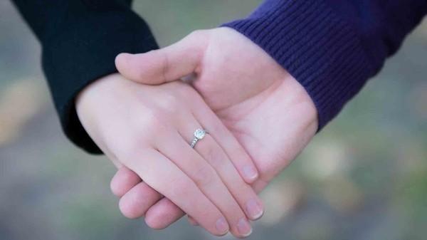"""6 cách để nói """"Anh yêu em"""" mà không cần mở lời - ảnh 2"""