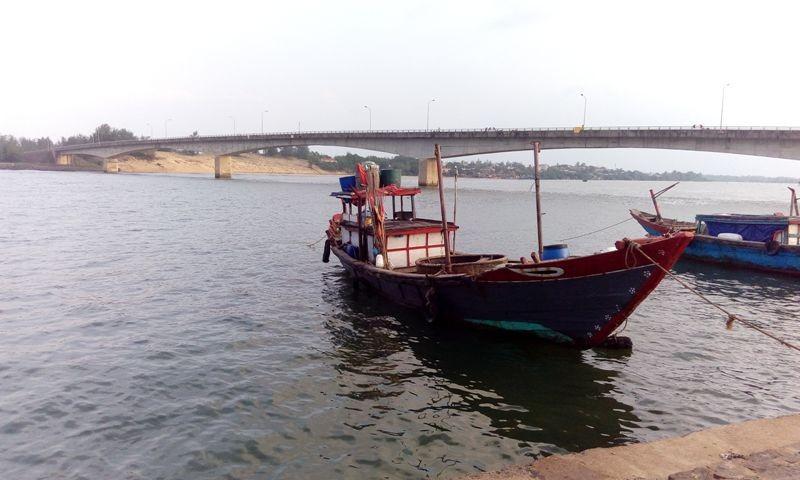 Vụ chìm tàu ở Quảng Trị qua lời kể người cứu hộ - ảnh 2