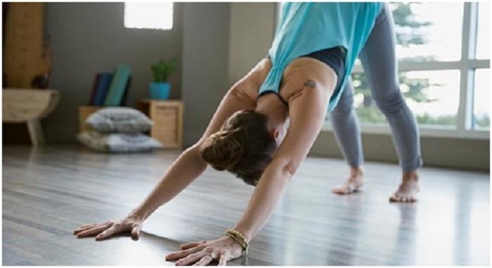 6 động tác yoga đơn giản tốt cho chuyện yêu - ảnh 4